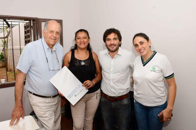 EBY y AABE firman escrituras de viviendas en SanIsidro