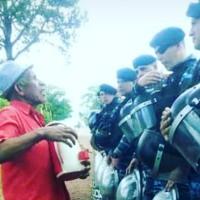 Vecino acercó un tereré a los policías que cumplen tareas preventivas en la ruta