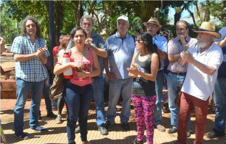 "Dirigentes convocaron a una protesta contra ""al golpe fascista enBolivia"""