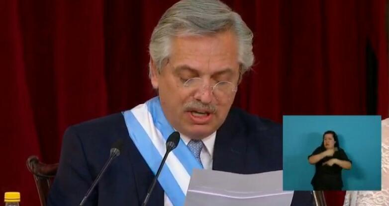 Fernández anunció que va a recortar la publicidad oficial y destinar a laeducación