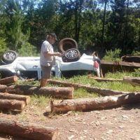 El intendente de Campo Grande se incrustó contra los pinos de un acoplado que se desprendió