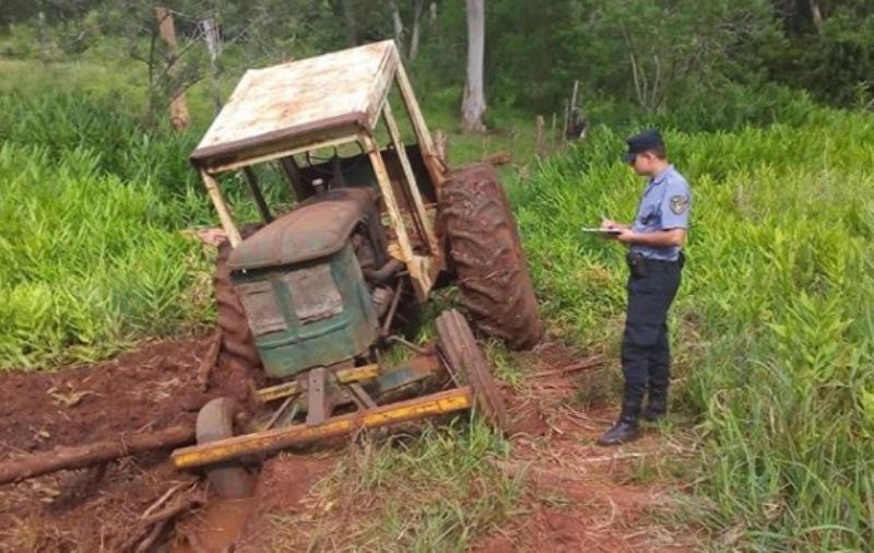 Robaron un tractor y lo dejaron abandonado por desperfectosmecánicos