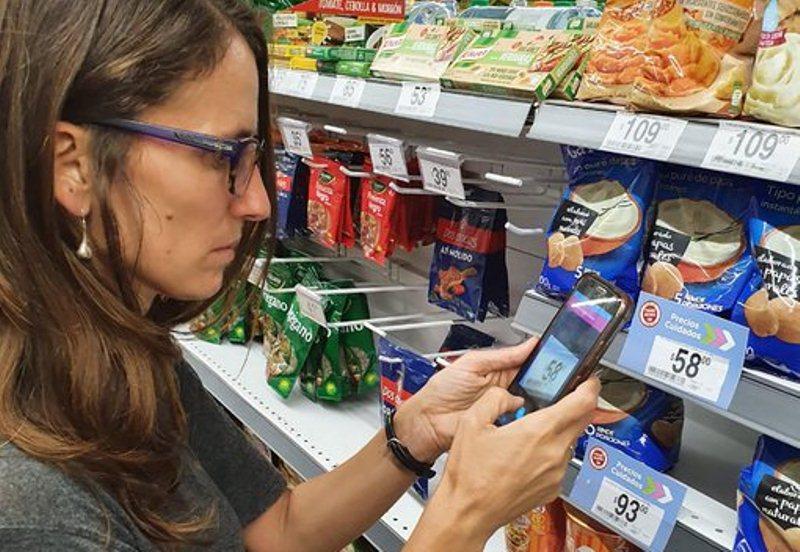 """Puesta en escena: Ministros fueron a controlar """"Precios Cuidados"""" a supermercadosporteños"""