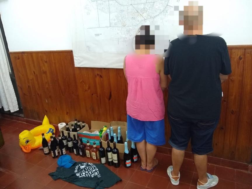 """Pareja de """"mecheros"""" robaron bebidas en un comercio en el Km 8 de la ruta14"""