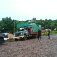 Dejó un camión estacionado en una estación se servicios y se lo robaron