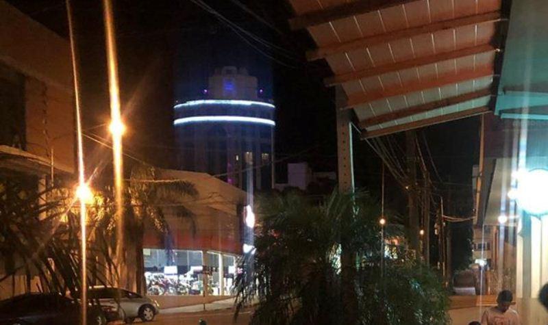 Dos sujetos se agredieron frente a un local bailable en Córdoba y 9 deJulio