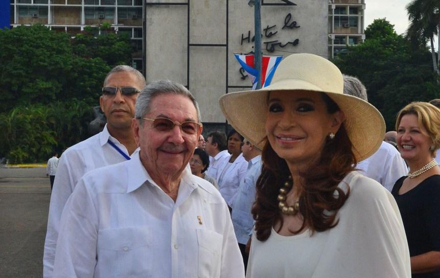 Sicilia pide que Cristina se disculpe por decir que los italianos son mafiosos y la invitan a visitar laregión