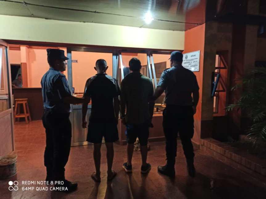 Dúo fue detenido en Villa Barreyro luego de robar en unacasa