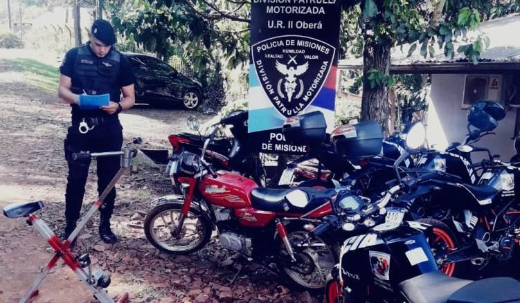 Delincuente huyó dejando una moto y una bicicleta fijarobadas