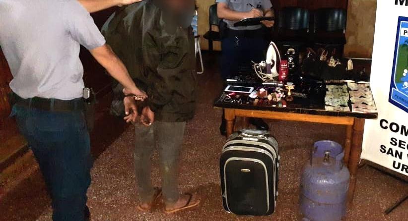 Llevaba en una valija objetos robados de una vivienda e intentóescapar