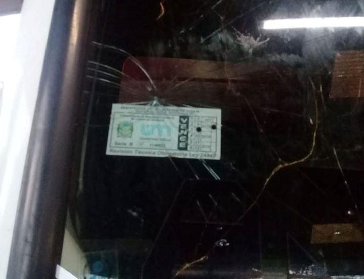 Atacaron camión municipal en CampoViera
