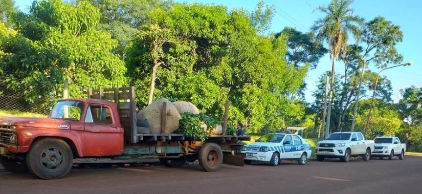 Interceptaron camión con 400 kg de yerba de dudosaprocedencia