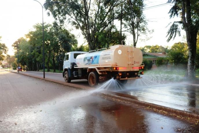 Covid 19: Realizan desinfección y limpieza con hidrolavado en avenidas deMontecarlo
