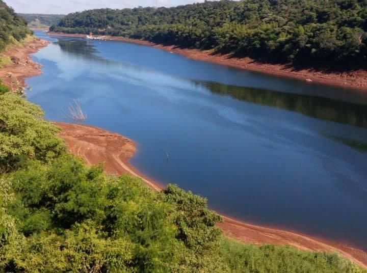 Iguazú sin agua potable por el cierre de las compuertas en represas deBrasil