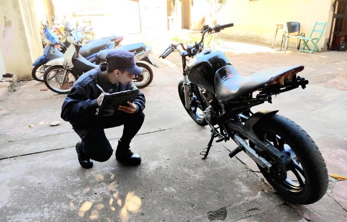 Incumplió la cuarentena a bordo de una moto robada en Brasil y cayó en uncontrol