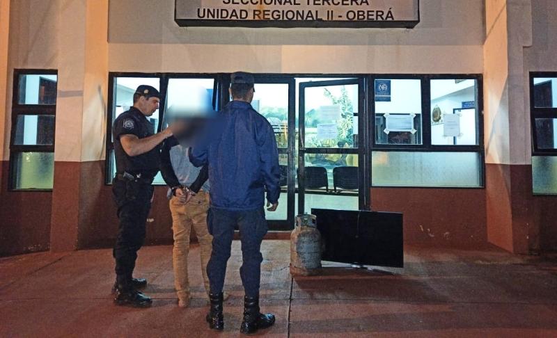 Tras forzar una reja le robaron un televisor y una garrafa en barrioNorte