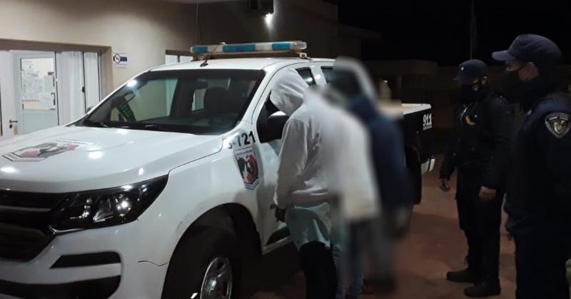 Atraparon a tres jóvenes que entraron a robar a unacasa