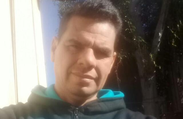 """Chaqueño varado en Oberá necesita quien lo pueda acercar hasta Corrientes: """"vendo mi ropa para podercomer"""""""