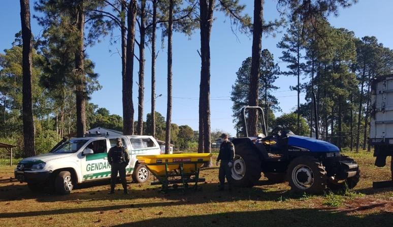 Gendarmería secuestró un tractor robado a una municipalidad brasileña, armas de fuego y cartones decigarrillos