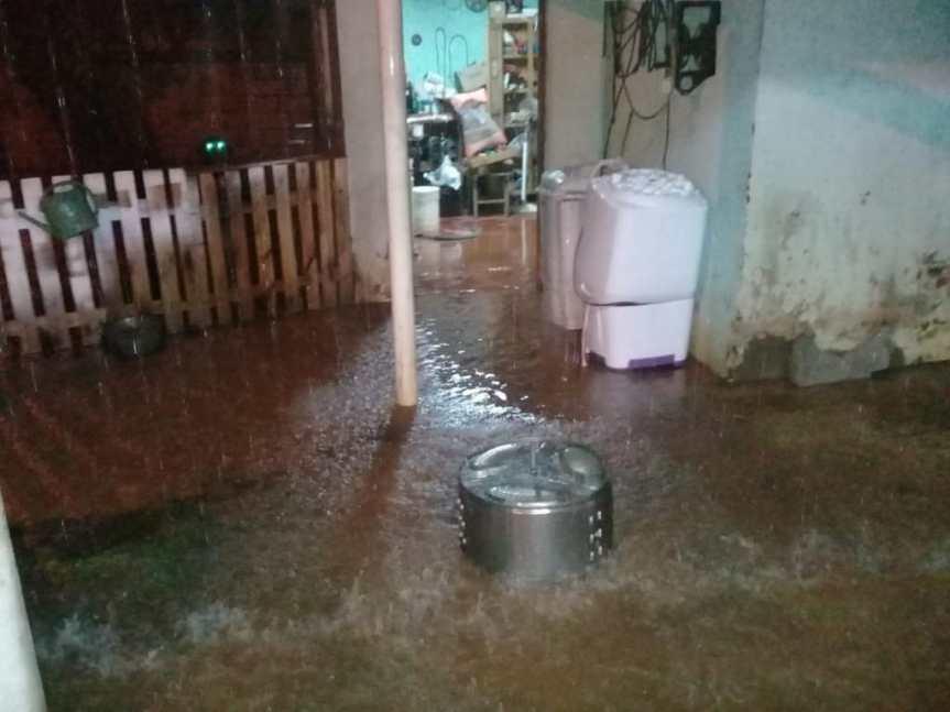 San Javier: Barrios colapsados por las intensaslluvias