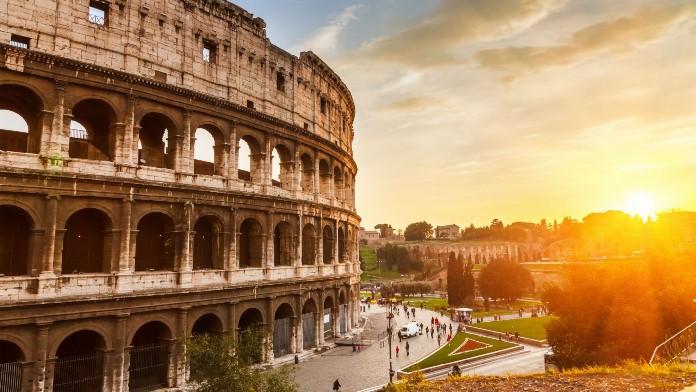 Italia vuelve a la actividad plena y abre susfronteras