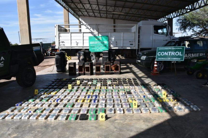 Detectaron 265 kg de cocaína oculto en los tanques de combustibles de uncamión
