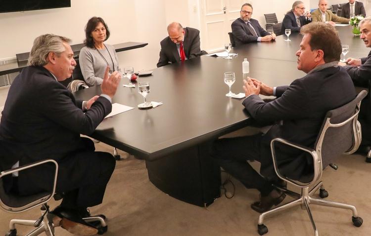 Fernández dijo que expropia Vicentín para que no la adquieran inversoresextranjeros