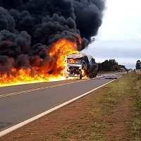 Dos camiones chocaron en la ruta 14