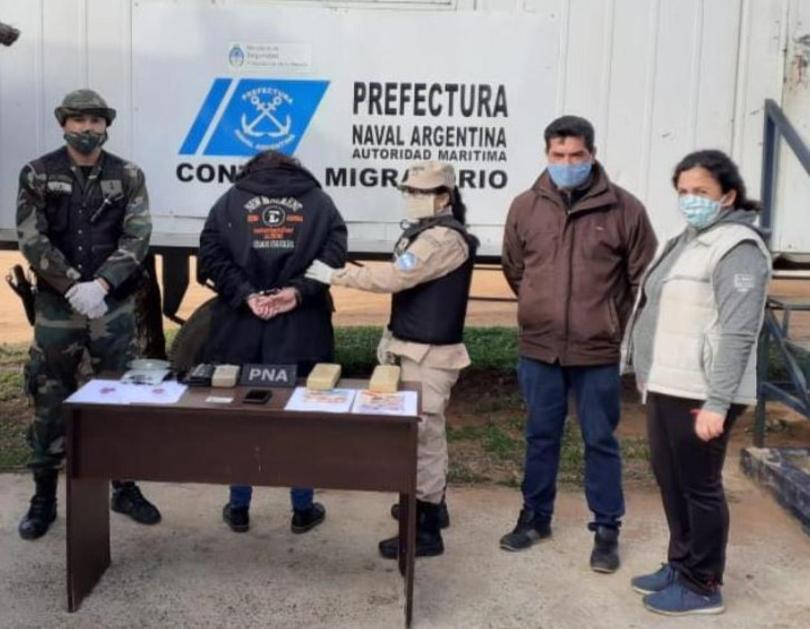 Prefectura detuvo a una mujer que trasladaba marihuana adosada a sucuerpo