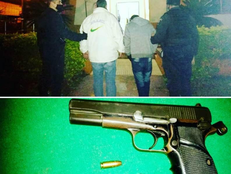 En un bar detuvieron a cuatro hombres y secuestraron un arma defuego