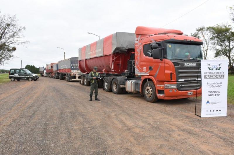 Para evitar 33% de retenciones, intentaron contrabandear 7 camiones con soja a Brasil que es el principal exportadormundial