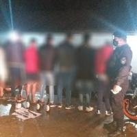 Estaban festejando un cumpleaños, cayó la policía y terminaron todos detenidos