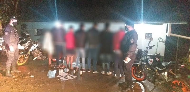 Estaban festejando un cumpleaños, cayó la policía y terminaron todosdetenidos