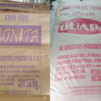 Prohíben la comercialización de dos marcas de harina y un salame picado grueso