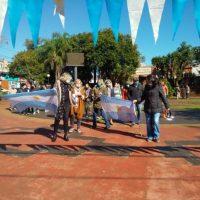Vecinos de Aristóbulo protestan pidiendo la renuncia del intendente por la separación de Salto Encantado