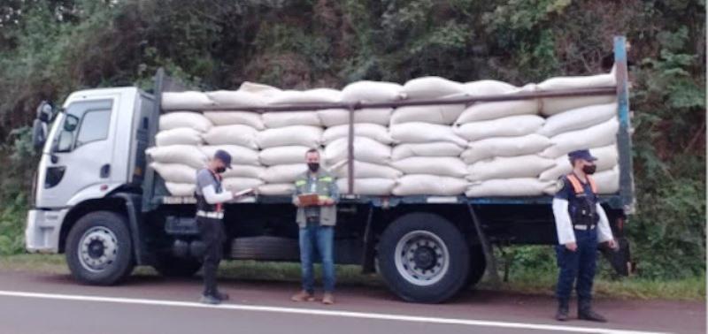 El INYM secuestró cargamento de yerba y lodestruyó