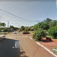 Policía quedó colgado del portón de una casa en calle Formosa y fue denunciado por intento de robo