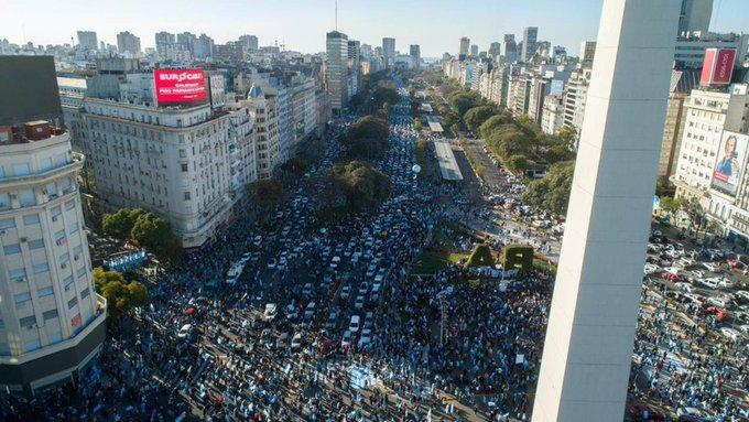 """Alberto Fernández cuestionó las marchas porque aumentan los casos: """"Prefiero cacerolazos en losbalcones"""""""