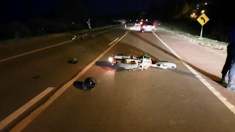 Choque entre dos motos dejó dos heridos en la ruta14