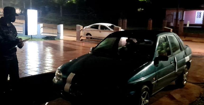 Dos autos secuestrado: uno es robado y el otro está involucrado en un hecho deestafa