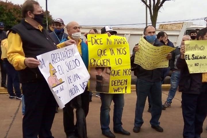 Choferes de Crucero del Norte reclaman por sueldosatrasados