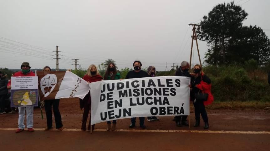 Denuncian acomodos de familiares en el poder judicial con sueldos de $100mil