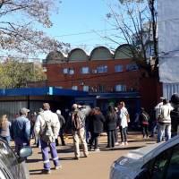 Municipales rechazaron las 4 ofertas salariales e inician un acampe frente a la comuna