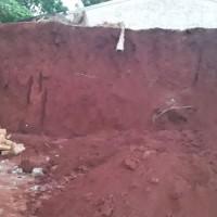 Un obrero falleció tras quedar bajo un montículo de tierra que se desmoronó