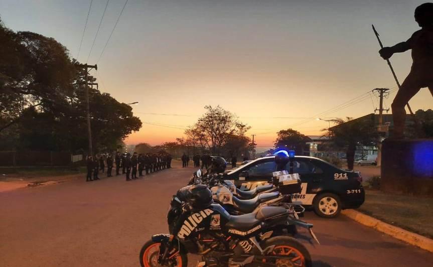 Operativo con más de 100 policías: 28 multas, 9 licencias, 9 motos y 2 autosretenidos