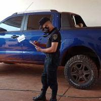 A mano armada le robaron la camioneta en el estacionamiento del Hospital Samic