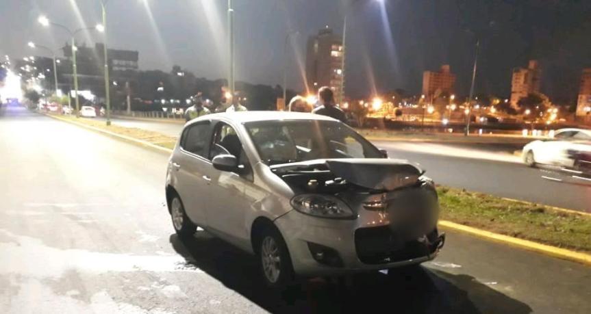 Un conductor fuera de control  intentó huir tras un choque y fuedetenido