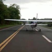 Una avioneta aterrizó de emergencia en la Ruta 12