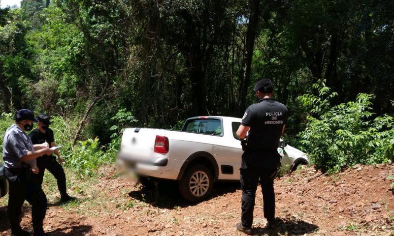 Camioneta robada fue abandonada en unmonte