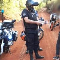 """Interceptaron motociclistas circulando bajo la modalidad """"superman"""""""